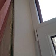 Arasement avec le châssis de fenêtre