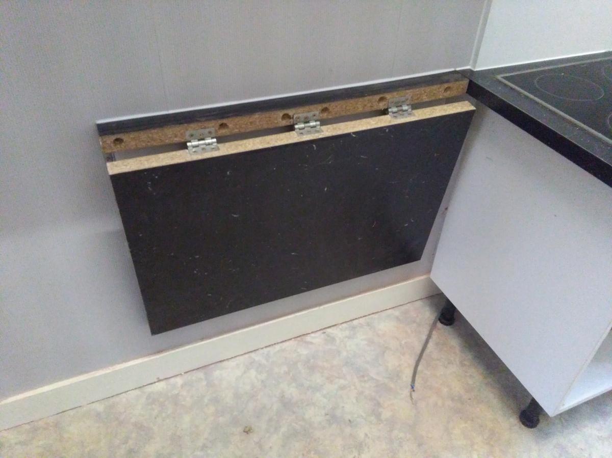 cr ation d une tablette de cuisine inclinable thibault florkin artisan menuisier. Black Bedroom Furniture Sets. Home Design Ideas
