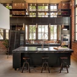 cuisine-industrielle-avec-mezzanine-e1433840642790